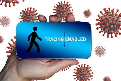 Smartphone mit Tracing App zu Corona