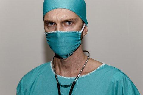Arzt mit Maske