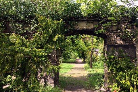 Tor Johannisfriedhof